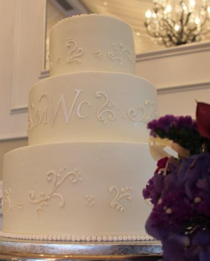 elegant-swirl-cake